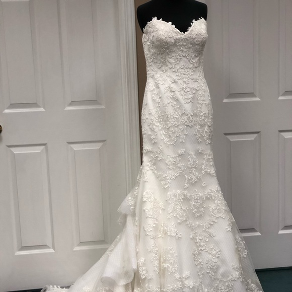 Maggie Sottero Dresses & Skirts - Maggie Sottero 'Goldie' Wedding Gown